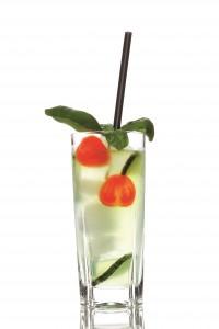 """Cocktail """"Gartenkunst"""" mit Basilikum- und Gurkensirup"""